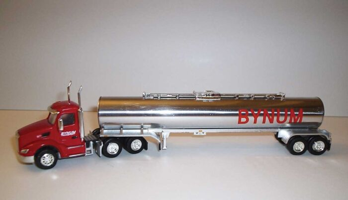 Trucks n Stuff TNS047 - HO Peterbilt 579 Day-Cab Tractor with Chemical Tank Trailer - Assembled -- Bynum (red, chrome)