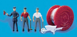 Peco 5078 HO Scale - Cable Laying Party - 3 Workers, Cable Spool, Wheelbarrow