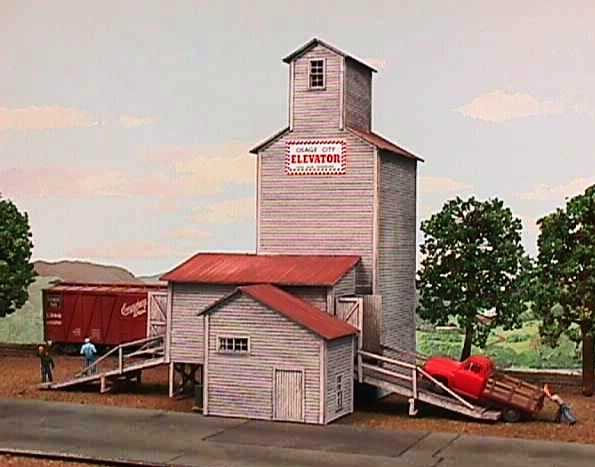 American Model Builders 115 HO Farmers Grain and Stock CO  - Kit