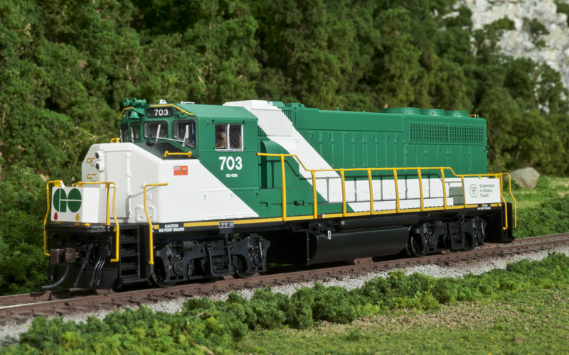 Atlas Model Railroad HO 10 001 422 Master Line GP40-2(W) ESU DCC & Sound - GO Transit #706