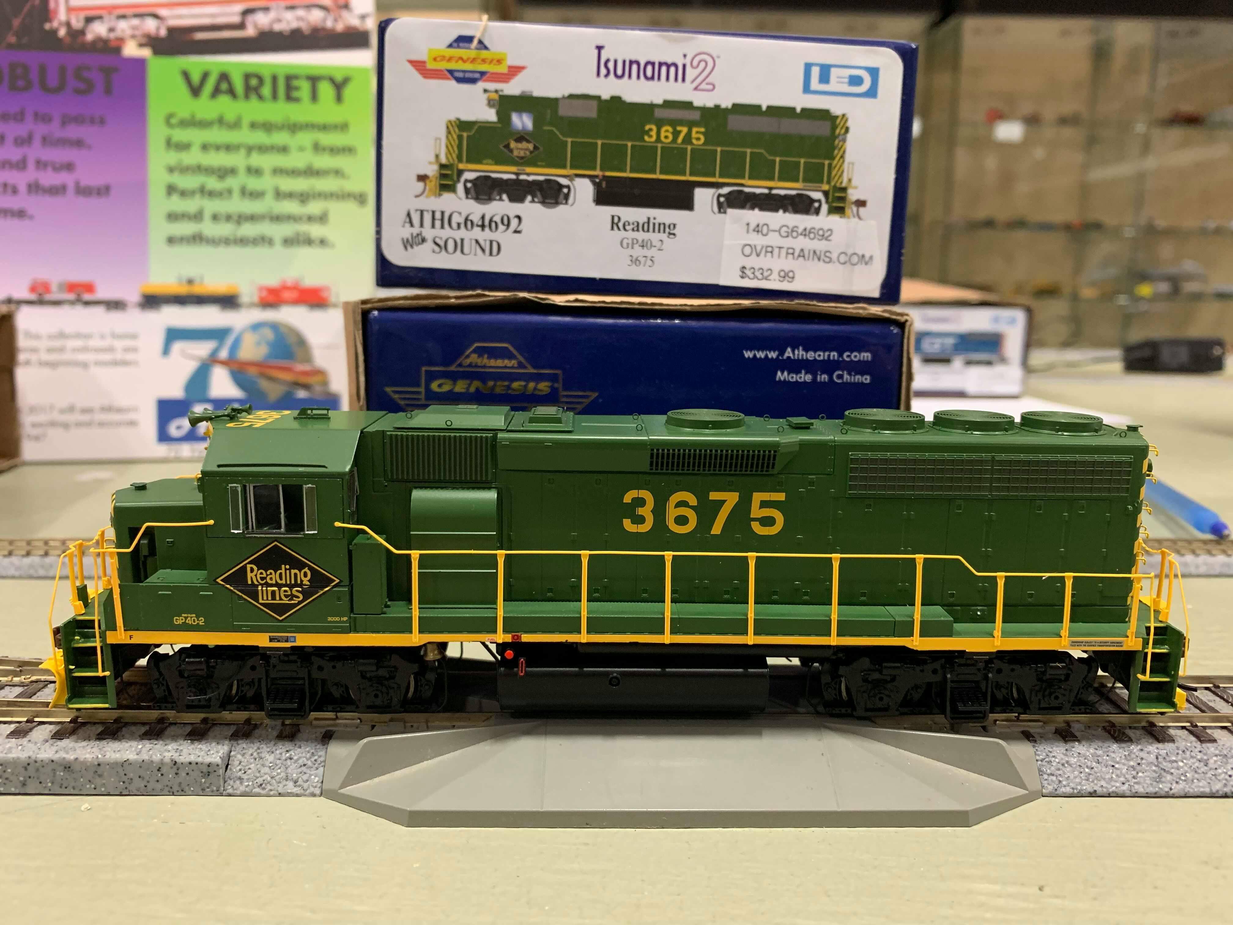 Athearn Genesis G64692 HO Scale - GP40-2 - DCC & Sound - RDG #3675