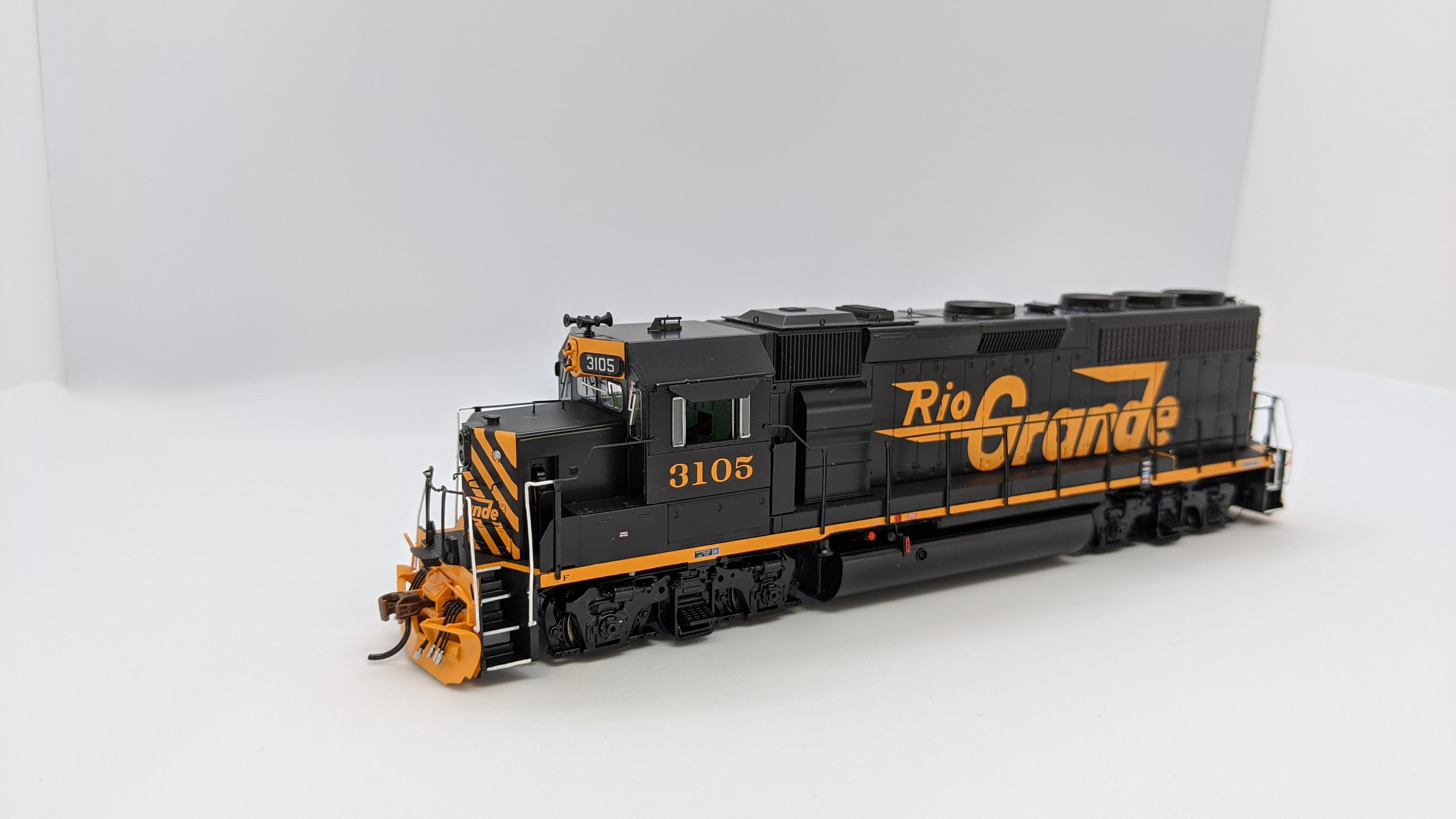 Athearn Genesis G64550 HO Scale - GP40-2 - DCC Ready - D&RGW #3117