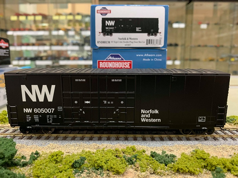Athearn RND88139 HO Scale - 50Ft High Cube Double Door Plug Box - N&W #605009