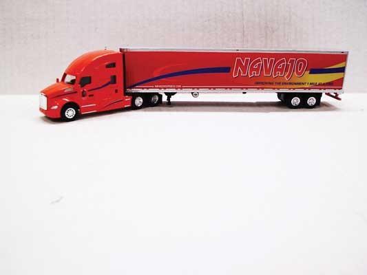 Trucks n Stuff TNS120 - HO Kenworth T680 Sleeper-Cab Tractor - 53ft Reefer Trailer - Navajo