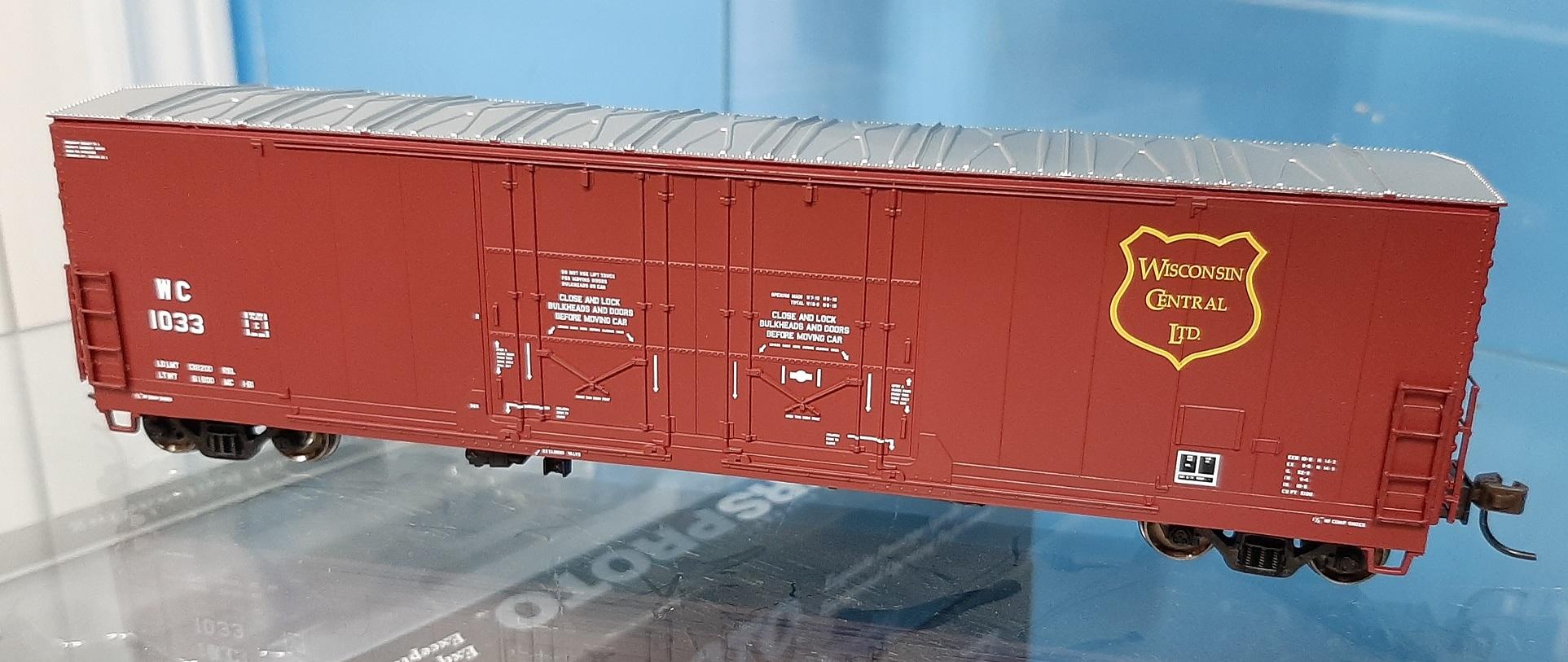 Atlas 20005420 - HO 53ft Evans Double Plug Door Boxcar - Wisconsin Central #1033