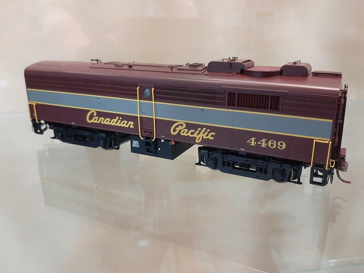 Rapido 22512 HO - DC/DCC/Sound - MLW FPB-2 Canadian Pacific #4463