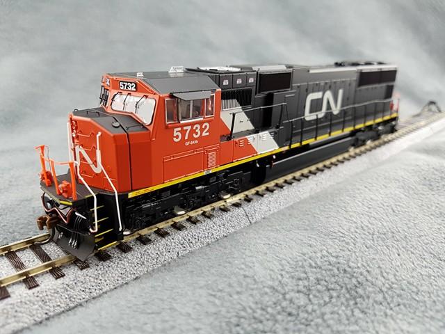 Athearn G69248 HO EMD SD75I -  DCC Ready, Canadian National CN #5732