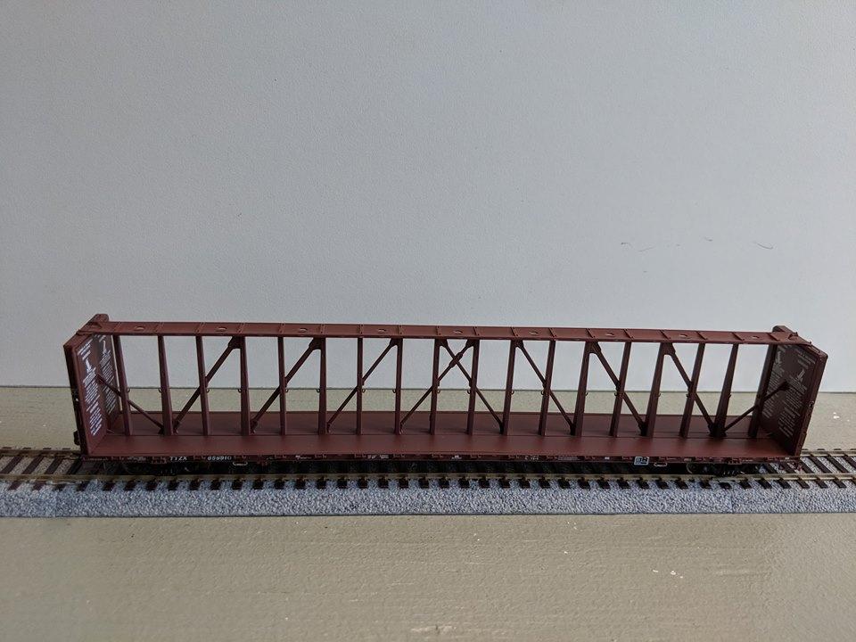 Atlas 20 001 785 HO 73 Ft Center Partition Car - Assembled - TTX (Brown) 856793