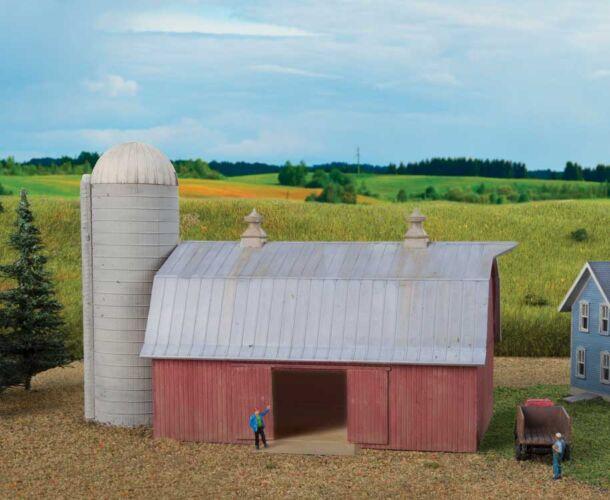 Walthers Cornerstone 3892 - N Scale Meadowhead Barn and Silo - Kit