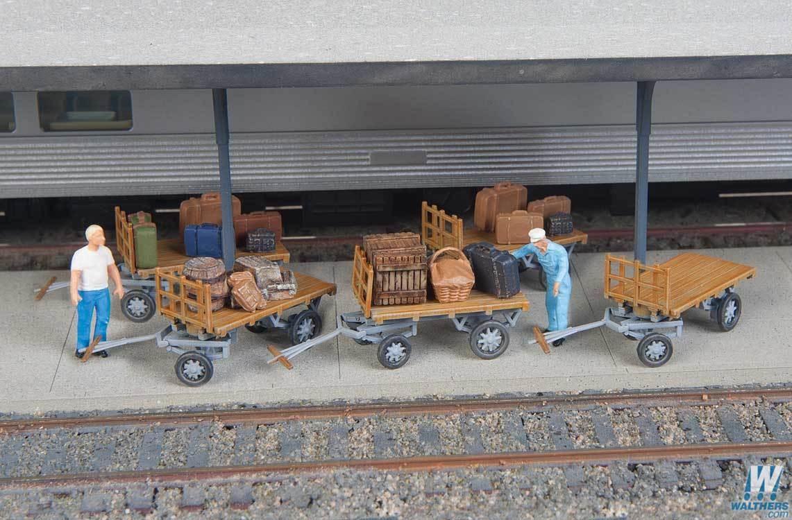 Walthers SceneMaster 4135 HO - Baggage Carts - Kit