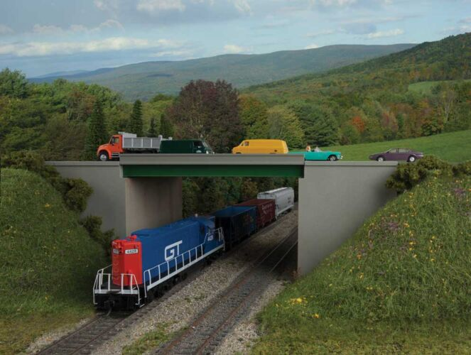 Walthers Cornerstone 4567 - HO Modern Steel Highway Overpass with Concrete Sides - Kit