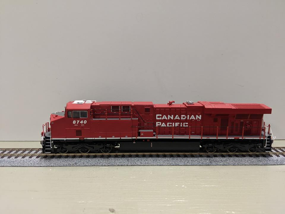 Athearn G83125 HO Scale ES44AC Locomotive With Tsunami Sound Canadian Pacific #8704
