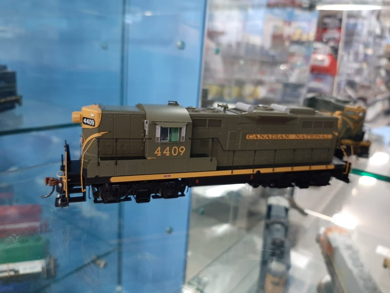 Athearn Genesis G62849 - HO GP9 - DCC Ready - Canadian National #4409
