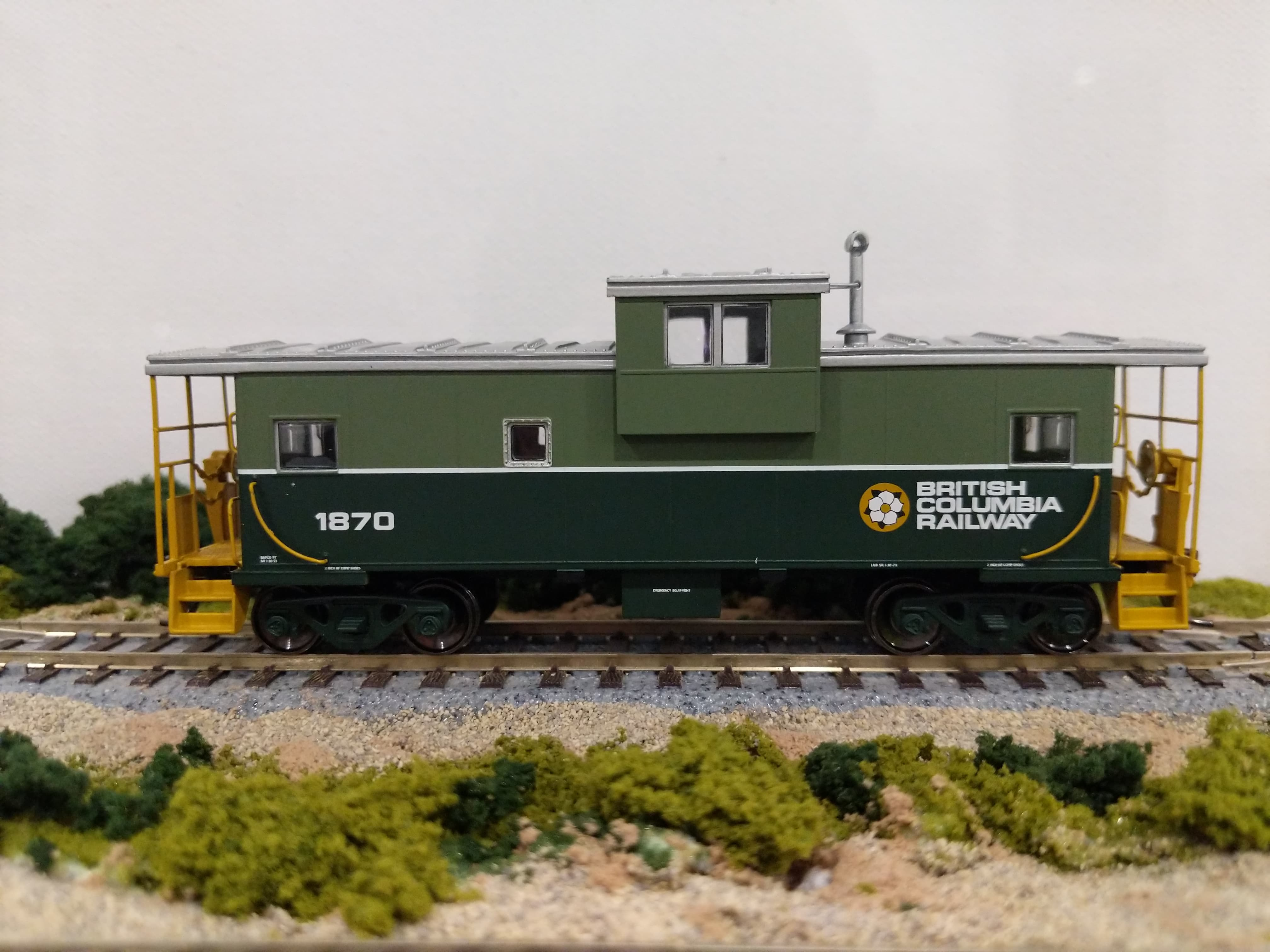 Atlas RTR 20005020 - Extended Vision Master Caboose - British Columbia Railroad #1874