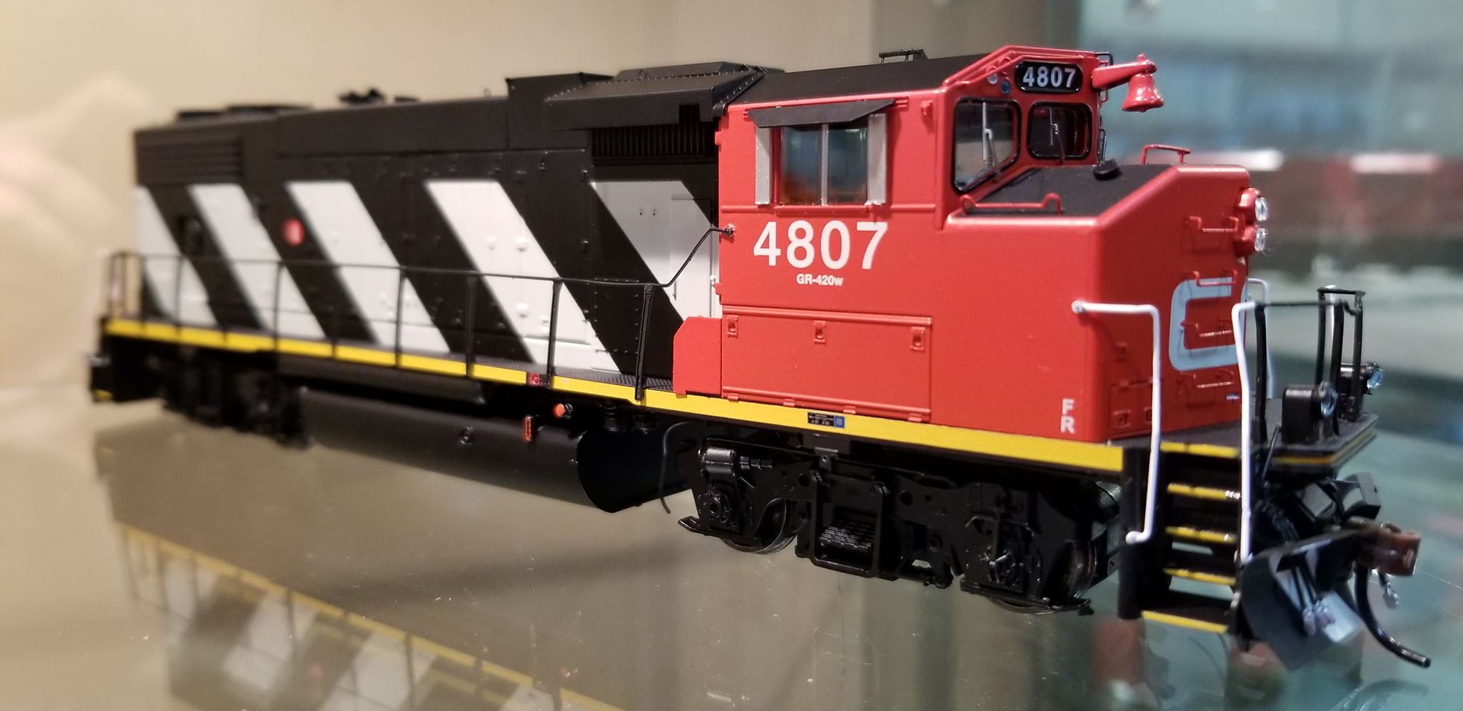 Athearn Genesis G65393 - HO Scale GP38-2(W) GMD - DCC Ready - Canadian National #4777
