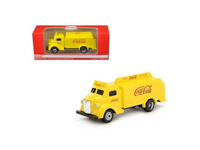 Motor City Classics 439954 - 1:87 1947 Coca Cola Delivery Bottle Truck - Yellow w/Red