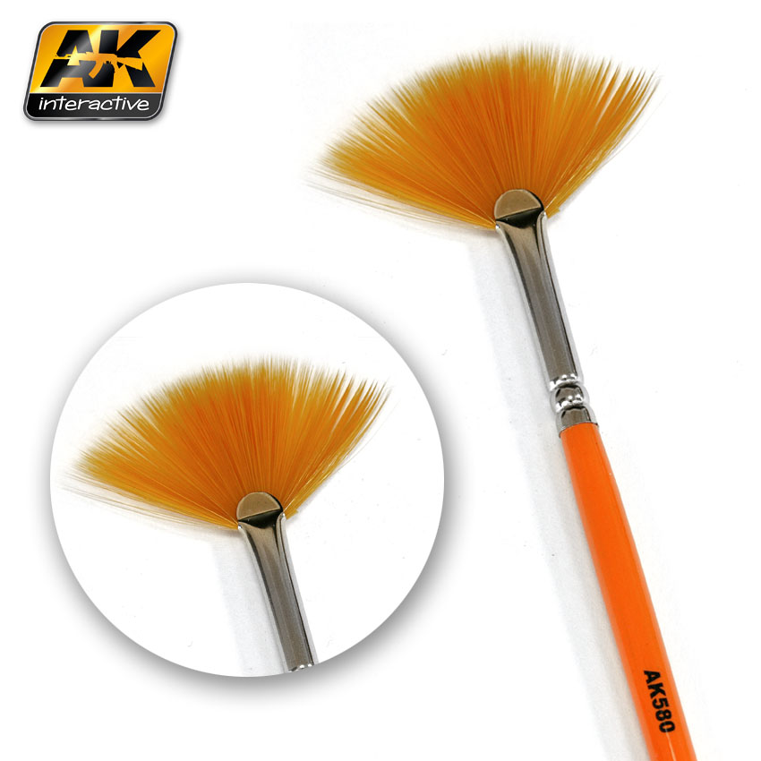 AK Interactive 580 Fan Shape Weathering Brush