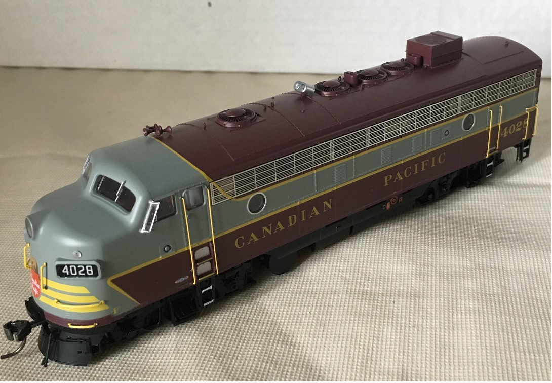 Rapido Trains 222504 - HO GMD FP7 - DCC/Sound - Canadian Pacific (Block Lettering) #4028
