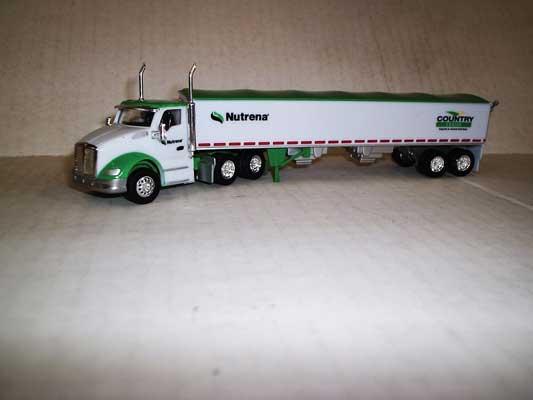 Trucks n Stuff TNS078 HO Kenworth T680 Day-Cab Tractor w/Grain Trailer - Cargill-Country Feeds