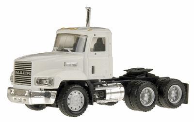 Intermountain Lone Star HO Mac CH603 Tractor