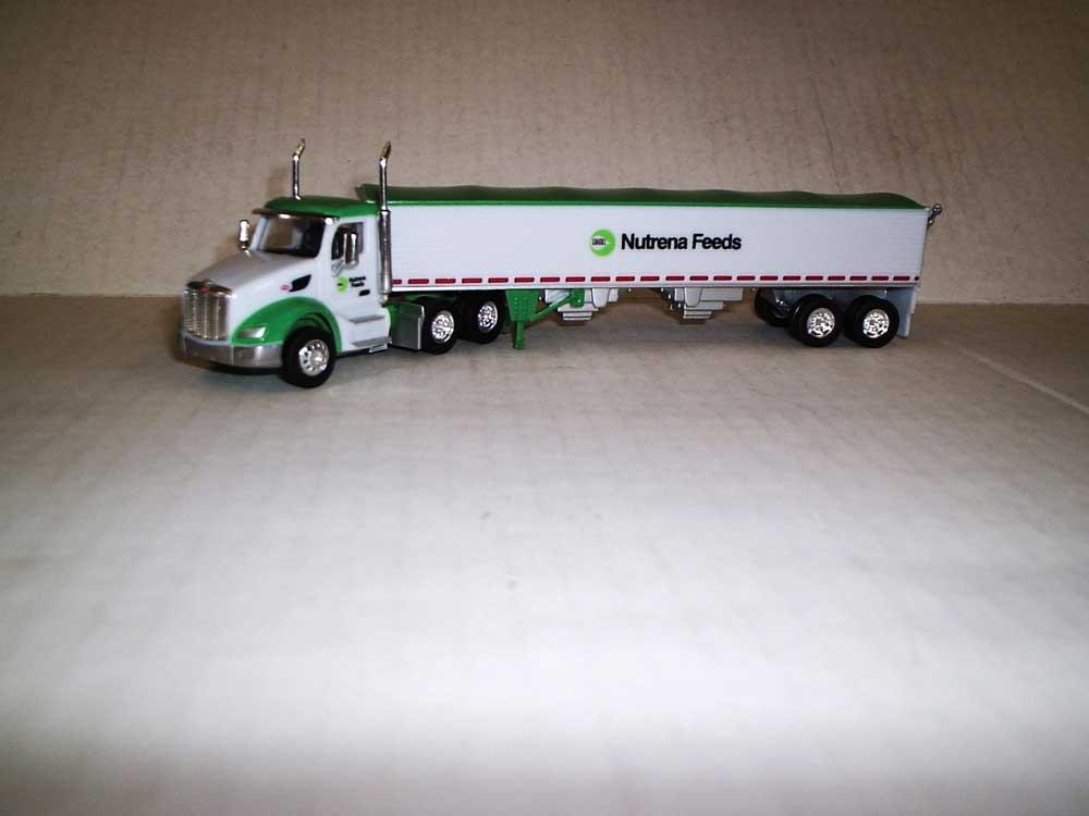 Trucks n Stuff TNS125 HO Peterbilt 579 Day-Cab Tractor w/Grain Trailer - Nutrena Feeds