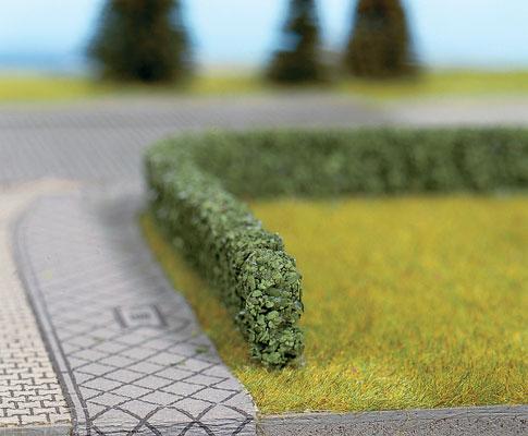 Walthers SceneMaster 1301 HO Hedges - Dark Green, Short