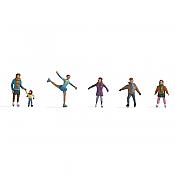 Noch 15824 - HO Ice Skaters (6 pkg)