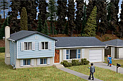 Walthers Cornerstone 3794 HO - Split Level House - Kit