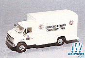 Trident Miniatures Emergency 90297 HO Royal Canadian Mounted Police - Chevrolet Box Van - Drinking and Driving Unit