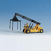 Walthers 11013 HO SceneMaster Kalmar Container & Trailer Crane - Kit