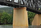 Walthers 3880 N Scale Cornerstone Bridge Piers - 2 pcs