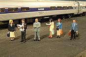 Bachmann 33110 HO Standing Platform Passengers