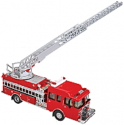 Walthers SceneMaster 13801 HO Heavy-Duty Fire Dept. Ladder Truck - Assembled -Red