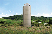 Walthers C3332 HO ornerstone Rural USA Concrete-Style Silo - Kit