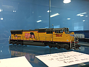 Athearn G69242 HO SD70M, DCC Ready - Union Pacific 5214