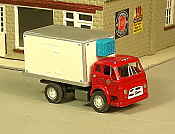 Sylvan Scale Models 314 HO Scale - 1953-68 Diamond T Reefer Truck - Unpainted and Resin Cast Kit