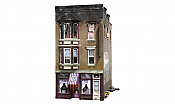 Woodland Scenics 5051 - HO Built & Ready Landmark Structures - Bettys Burning Building