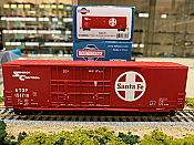 Athearn RND88097 HO Scale - 50Ft High Cube Double Door Plug Box - Santa Fe #151757