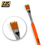 AK Interactive 576 Saw Shape Weathering Brush