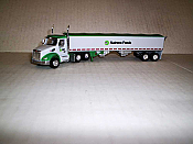Trucks n Stuff TNS125 HO Peterbilt 579 Day-Cab Tractor w/Grain Trailer - Nutrena Feeds
